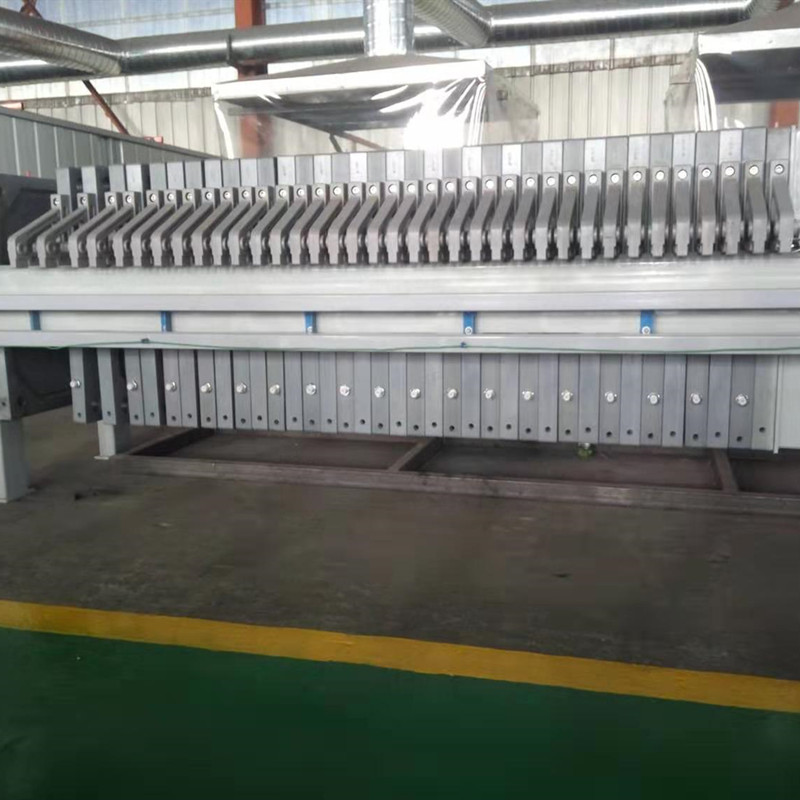 china made liquid mixture separation wastewater treatment sludge filter press equipment